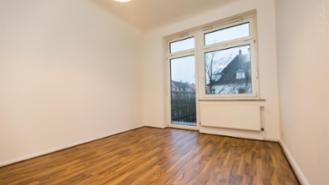 WG-room 15 sqm with balcony in a 3er WG, Hamburg-Heimfeld S-Bahn is 200m away